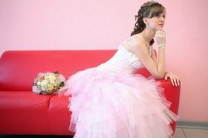 свадебное платье пошив девушка розовое