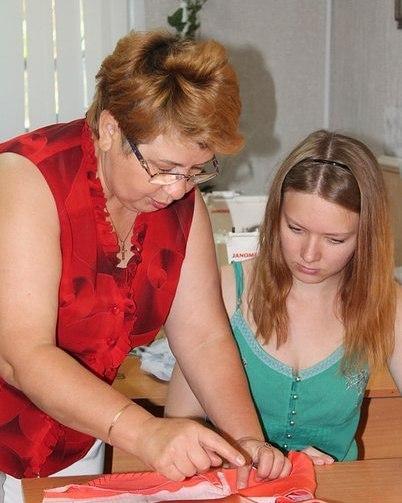 У нас вы научитесь шить, рисовать и отдохнёте на рукодельных мастер-классах. Творите вместе с нами!