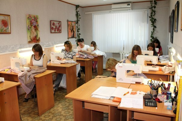 урок шитьё швейные машинки столы класс
